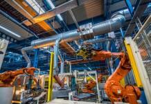 Programowanie robotów przemysłowych on-line i offline